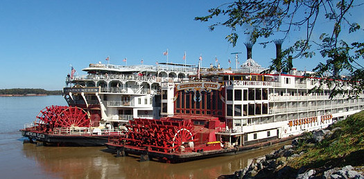 steamboats image, American Queen and Mississippi Queen