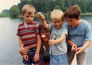 kids fishing image
